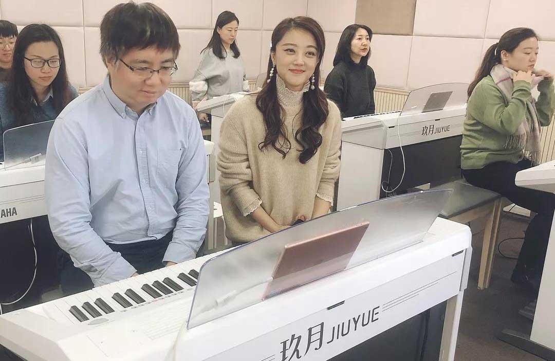 国际著名钢琴家盛原老师,带队体验玖月双排键课程