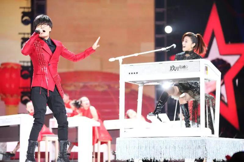 【央视】玖月奇迹携玖月教育双排键学员参加星光大道2019春节特别节目
