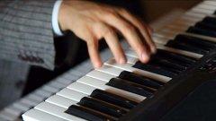 作品在双排键记谱上的演奏标记