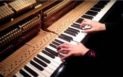 钢琴教学过程中应该如何看谱和背谱?