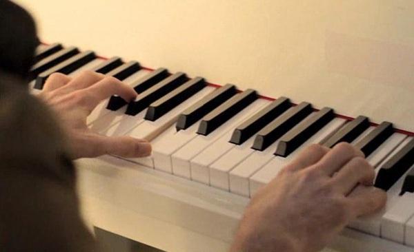 钢琴有几种奏法?各应该如何弹?