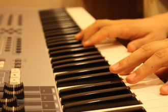 电子琴88键76键和61键各有什么不同?区别有哪些?