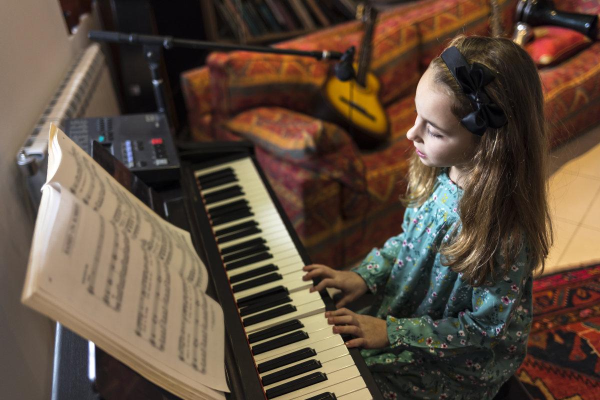 提高钢琴弹奏速度的方法与技巧