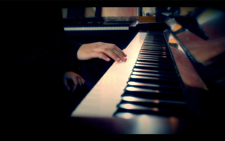 在弹新钢琴曲前先计划好自己的指法