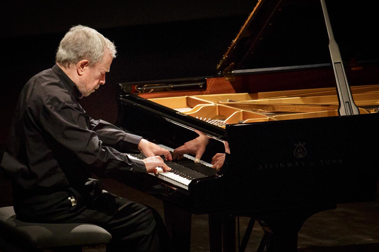 钢琴弹奏连音的基本要领有哪些?