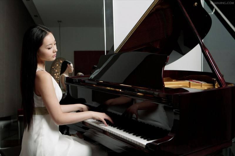 在钢琴演奏中,如何把握作品的灵魂?