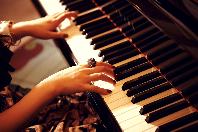 《哈农钢琴练指法》应该怎么弹?