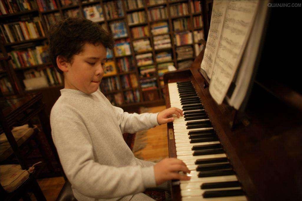 如何提高钢琴的学习效率?