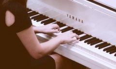 学钢琴之前先学电子琴有好处吗?