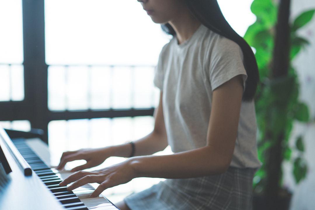 成人零基础还能学琴吗?
