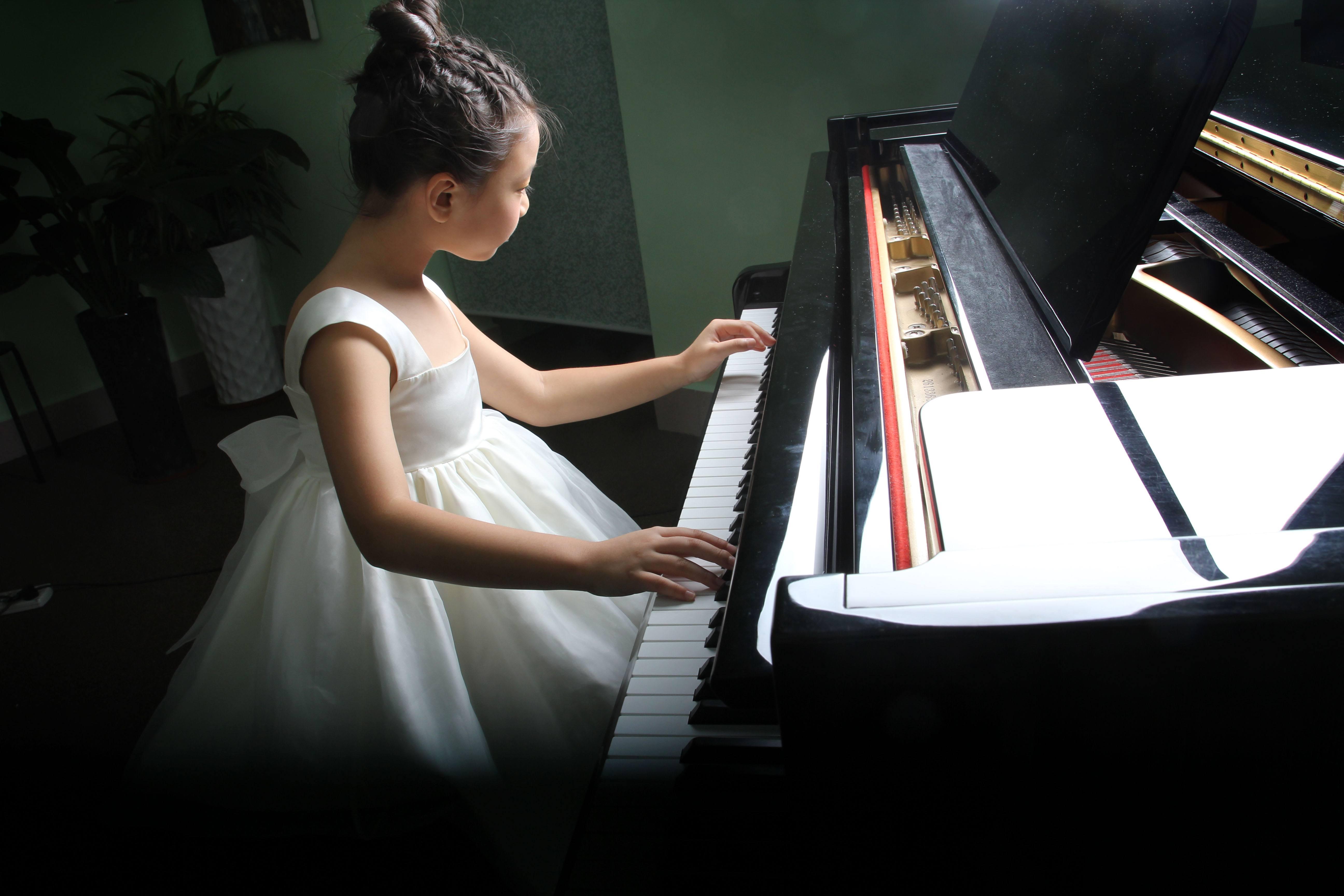 如何提高钢琴基础练习的质量?