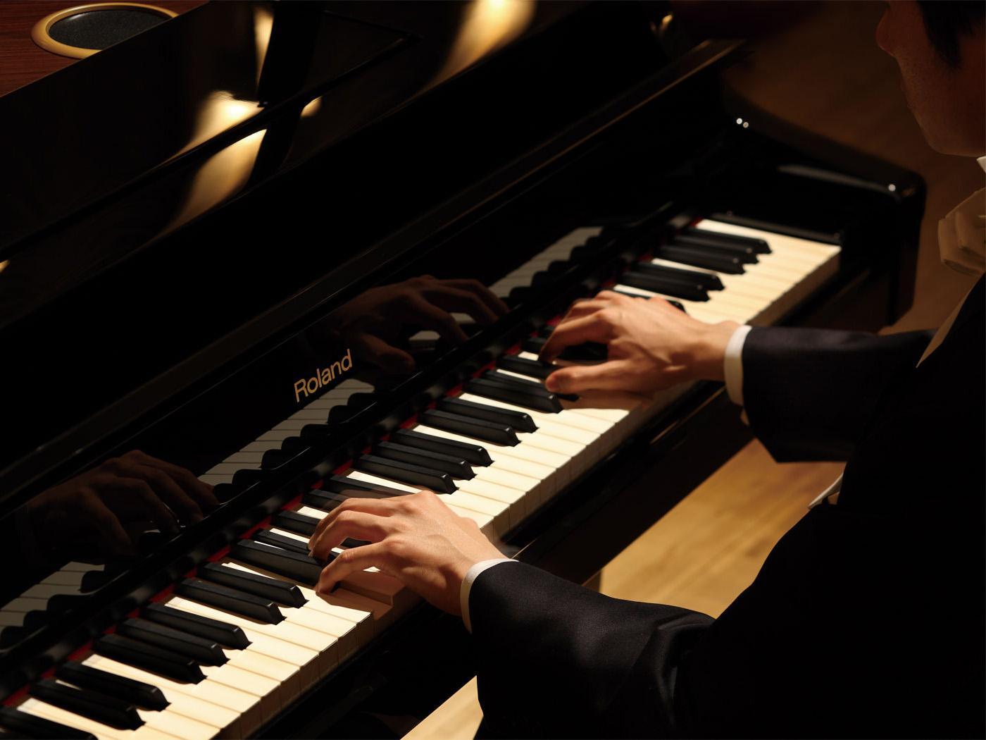 """钢琴练习要学会""""脑前手后"""""""