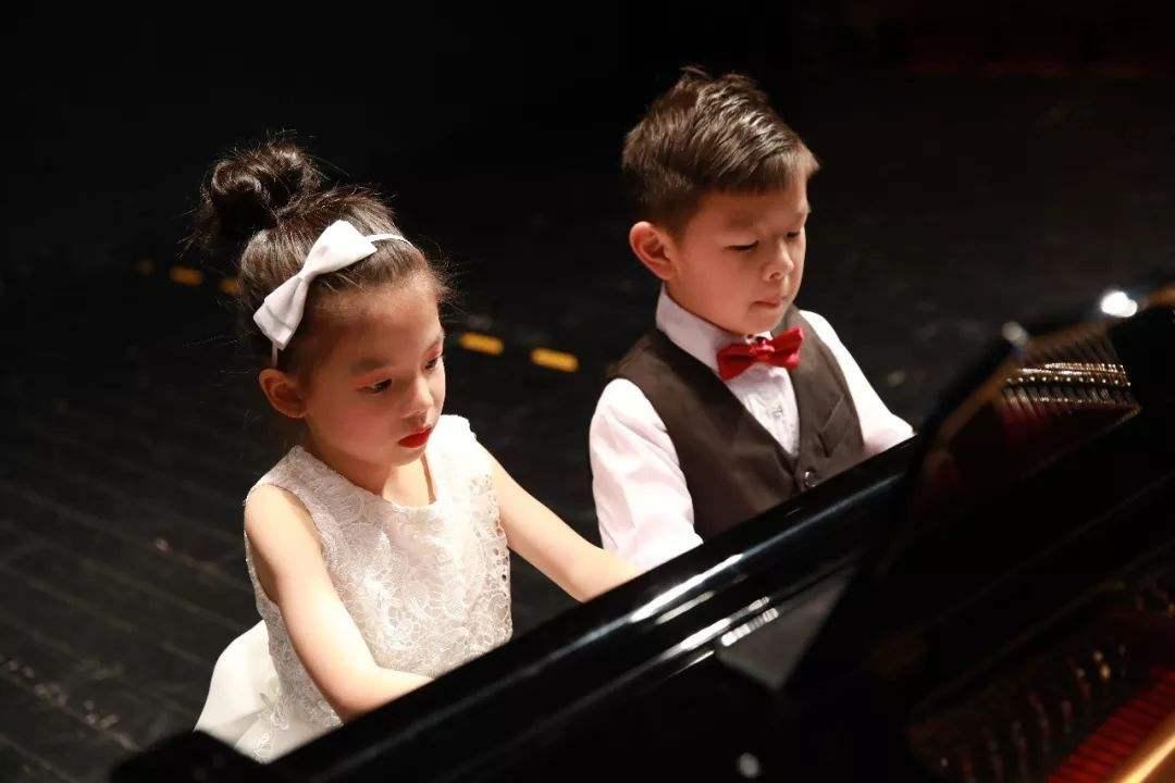 少儿学钢琴应该注意哪些问题?