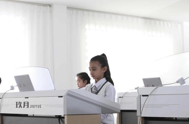 为什么选择让孩子学习双排键?
