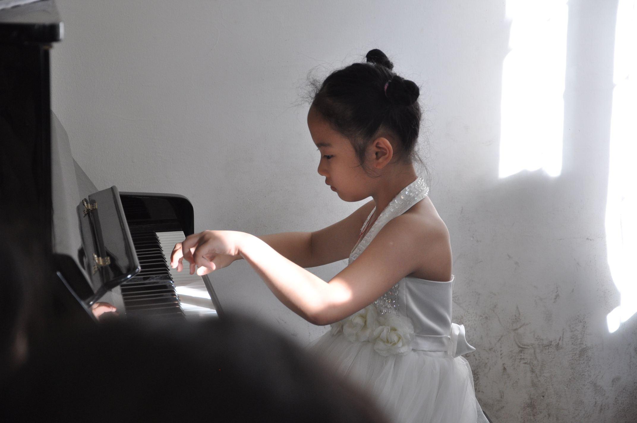 期末考试快到了,还练不练琴?