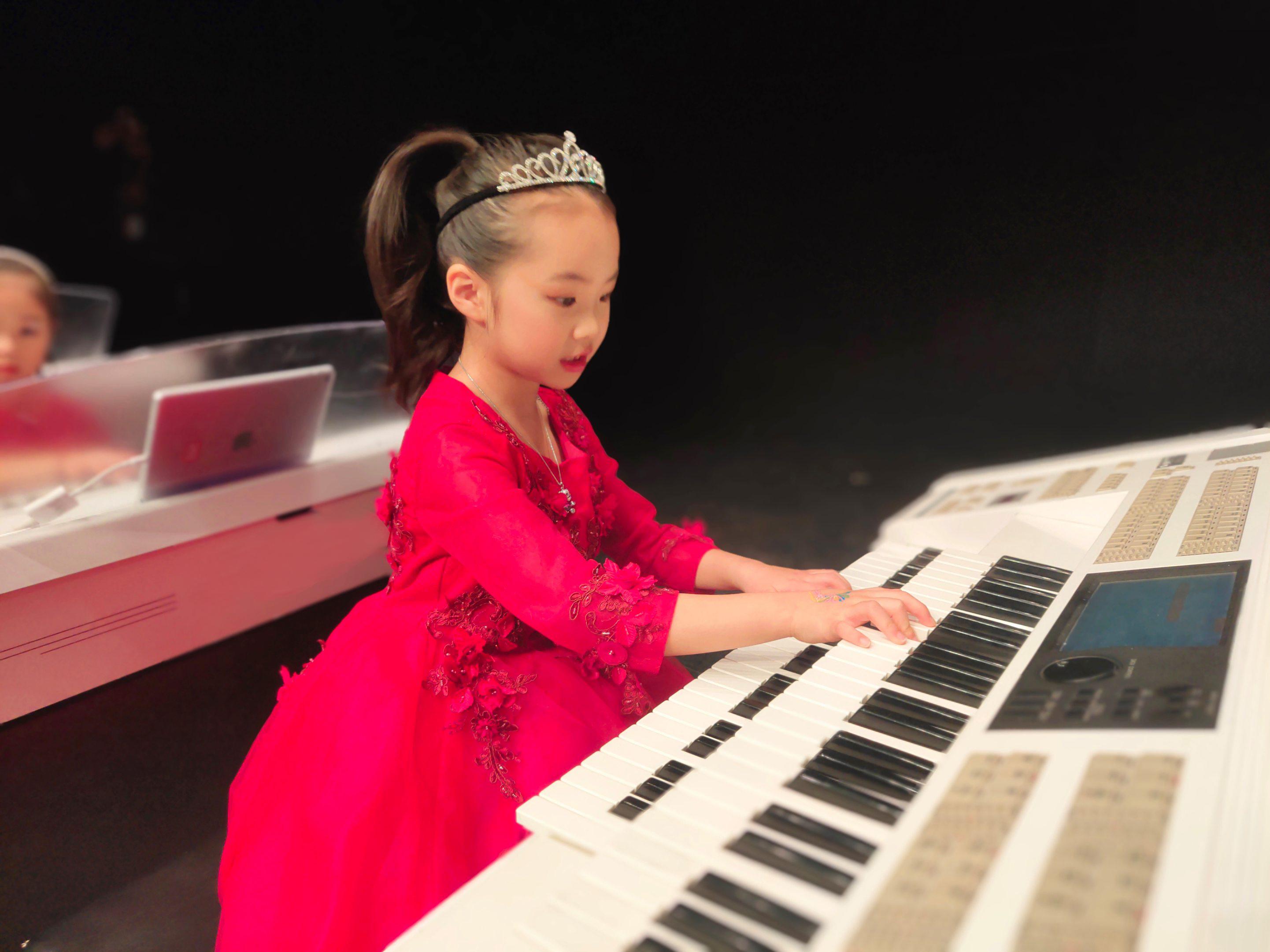 学双排键能解决孩子练琴枯燥的问题?听听钢琴老师怎么说