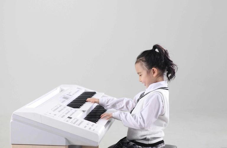 日常生活中家长应该如何培养孩子的音乐素质?
