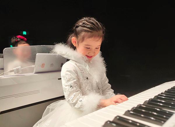 幼儿学习双排键,除音乐外竟然还有这么多收获