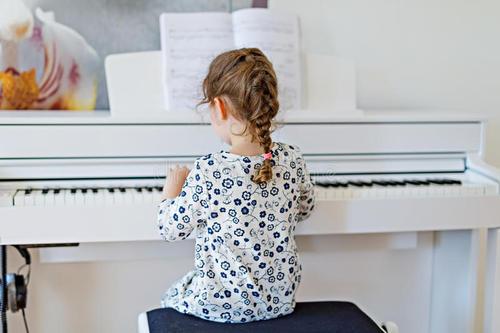 如何判断孩子是否有音乐天赋?