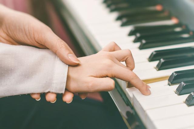 如何教孩子学音乐?你应该这样选择老师