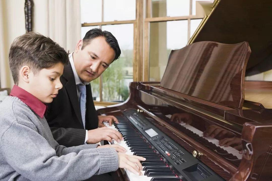 学琴时嫌老师教的太慢?那你可能遇到好老师了