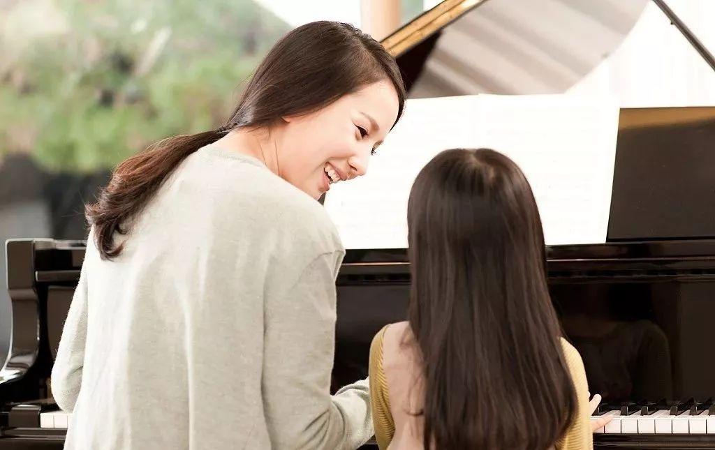 为什么学琴一周上课一次,练琴却要一周?