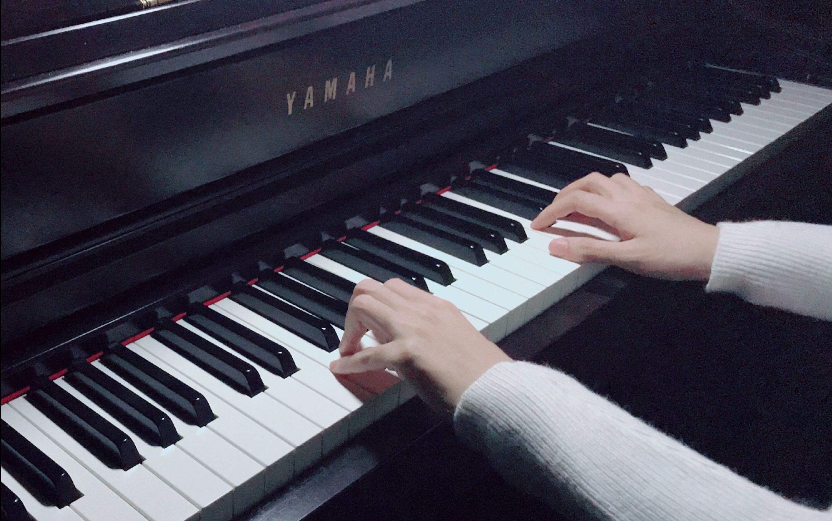 学琴时,在哪些情况下需要分手练习?