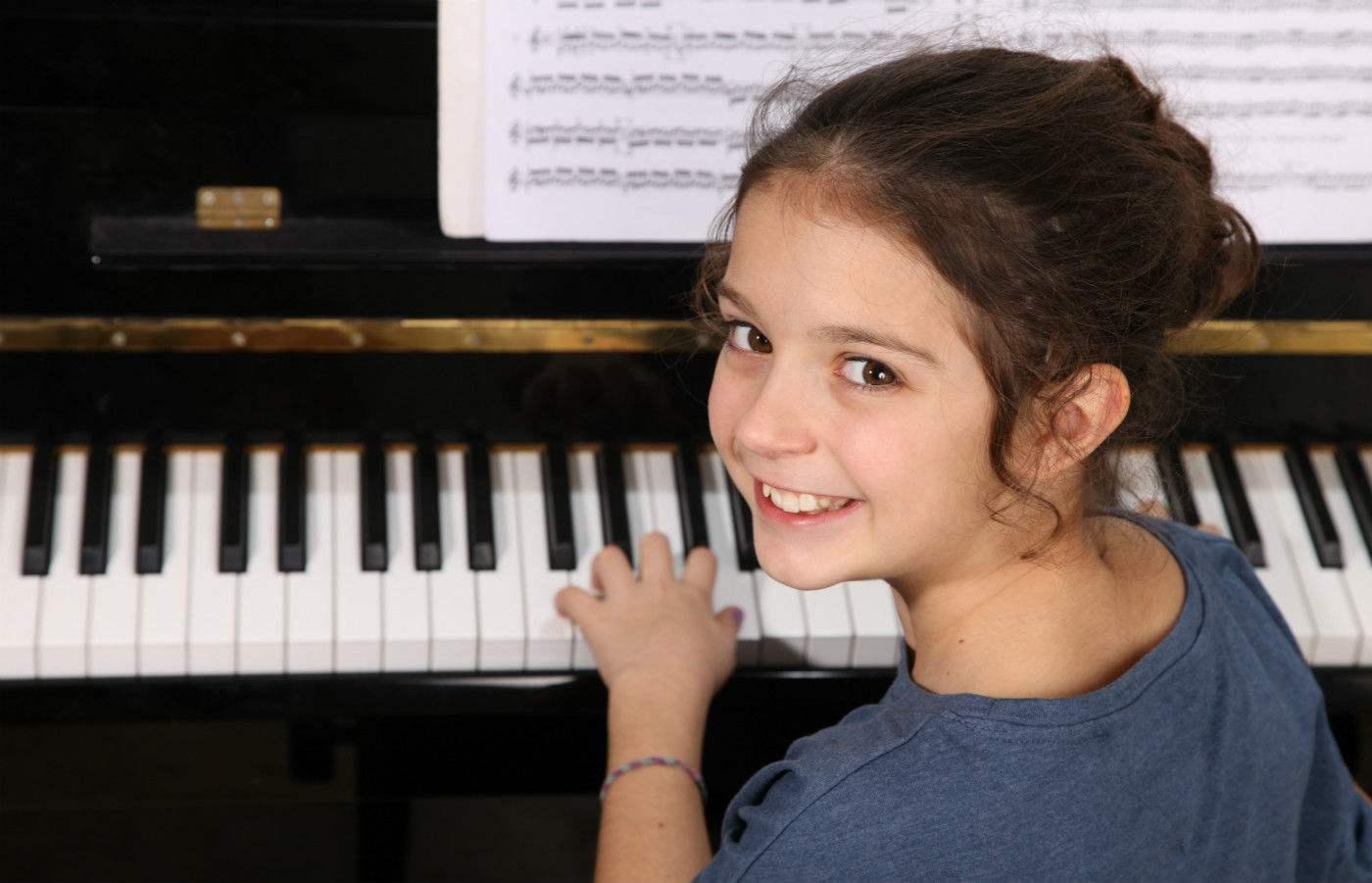 在钢琴弹奏中左手的重要性