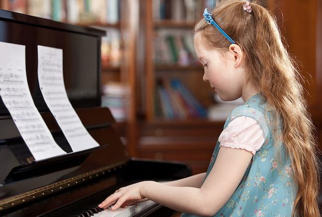 """弹钢琴的正确坐姿,你都""""坐""""对了么?"""
