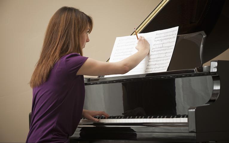 钢琴专业生是怎样看谱子的?
