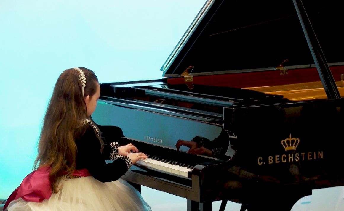 第一次参加钢琴比赛如何选曲?有哪些问题需要注意?