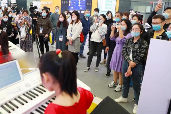 玖月教育惊艳亮相上海乐器展