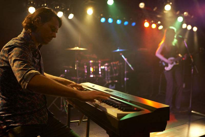 电子琴、电钢琴与钢琴各有哪些区别