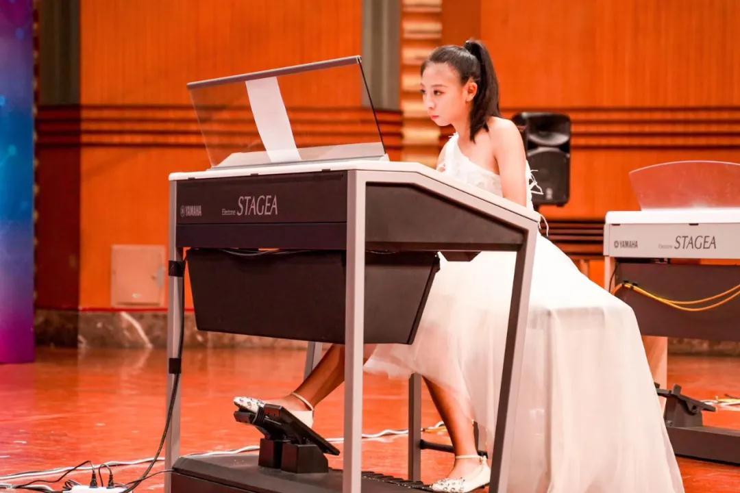 厉害了!这位学员在玖月学琴2年荣获3次国际大奖