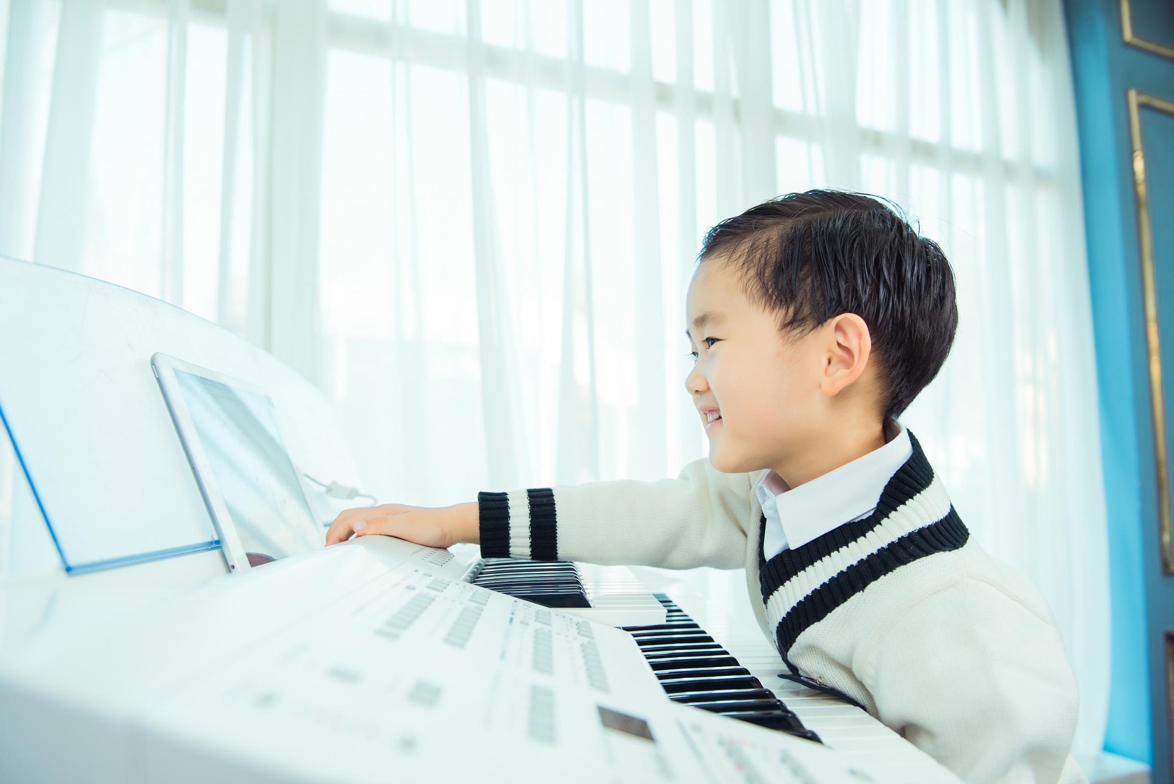 孩子在家不想练琴怎么办?如何培养孩子的兴趣