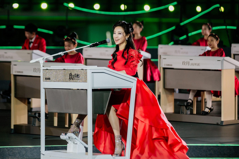 王小玮携玖乐团百人阵容再登央视《合唱春晚》创历史之最